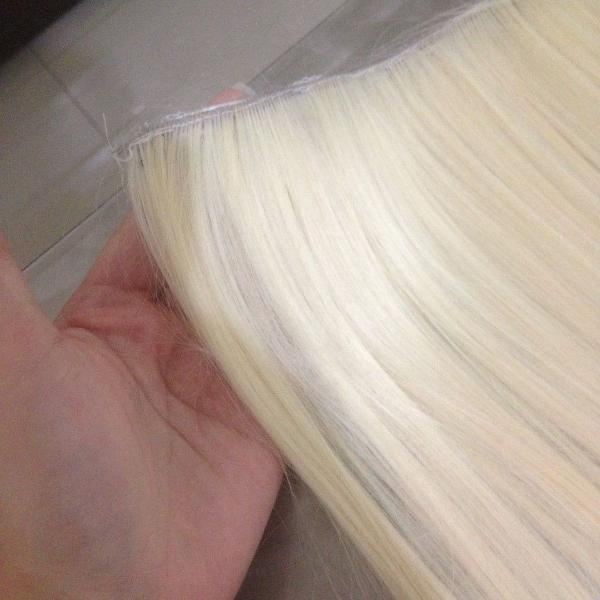 Aplique sintético loiro platinado