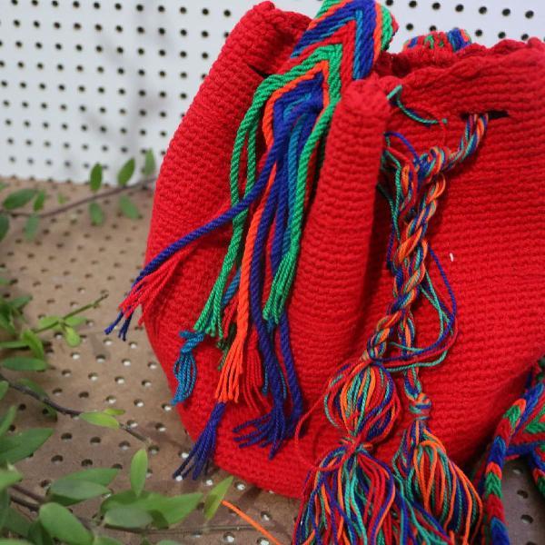 Bolsa colombiana vermelha