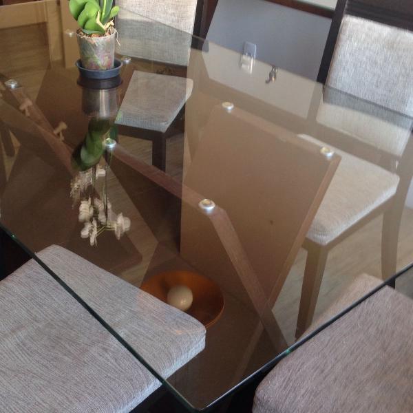 Conj mesa de jantar+ 6 cadeiras+ aparador