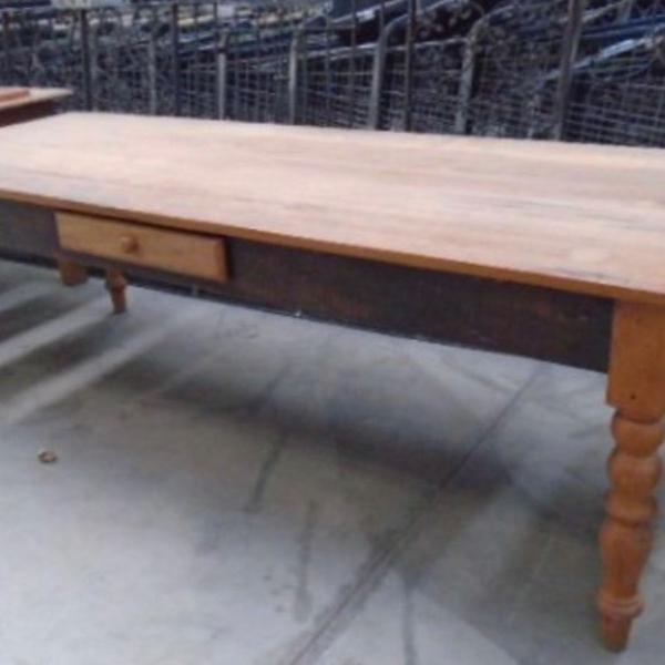 Mesa de madeira de demolição 2 metros e meio!!!!!!