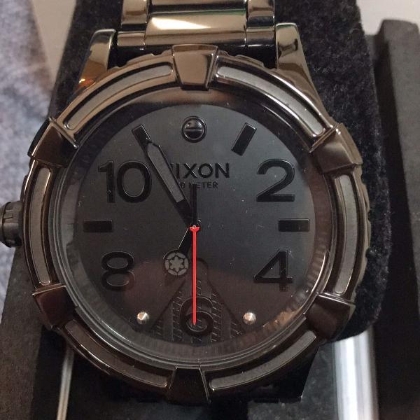 Relógio nixon 51-30 star wars darth vader edição especial