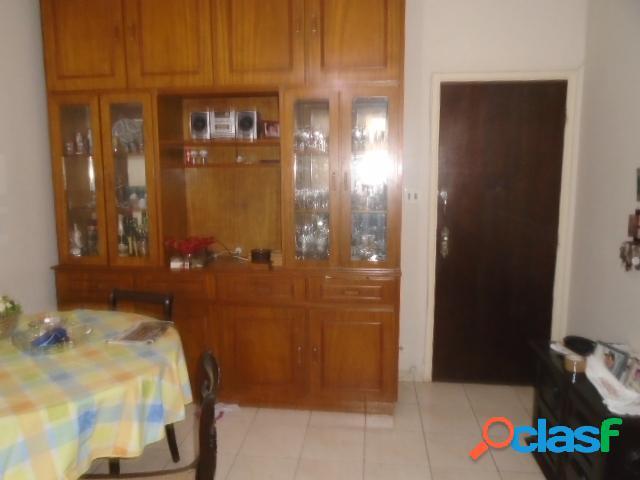 Apartamento a Venda - 2 Dormitórios - Elevador- Garagem - Embaré- Santos
