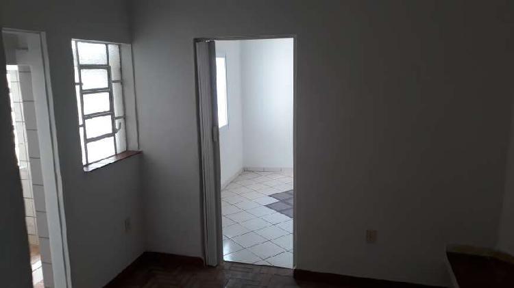 Casa com 1 quarto para alugar, 69 m² por r$ 750/mês cod.