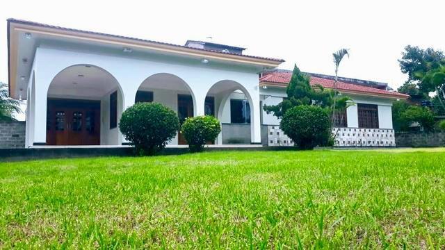 Casa com 3 quartos para alugar, 240 m² por r$ 3.600/mês