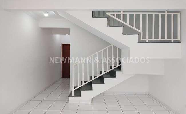 Casa de condomínio com 2 quartos para alugar, 104 m² por
