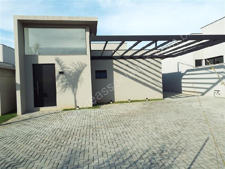 Casa de condomínio com 3 quartos para alugar, 134 m² por