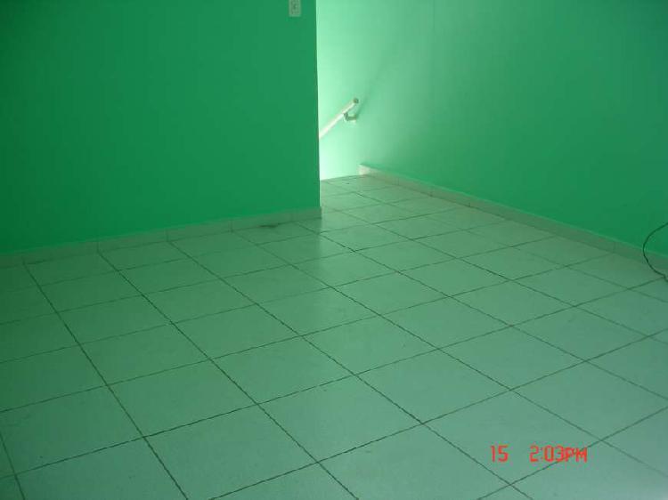 Imóvel comercial com 3 quartos para alugar, 70 m² por r$
