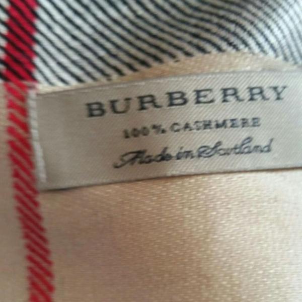 Cachecol burberry clássico
