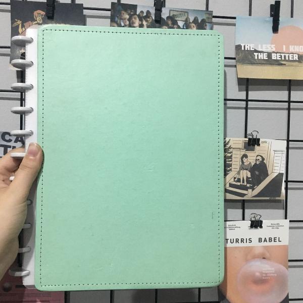caderno inteligente verde pastel