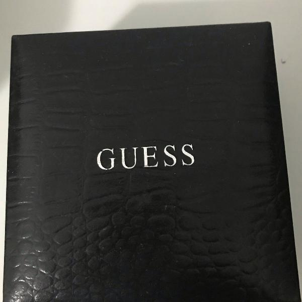 Caixa de relógio guess