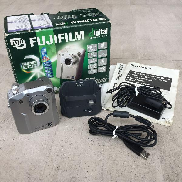 Câmera fotográfica digital fujifilm fine pix 4800 zoom