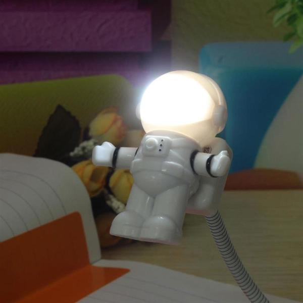 Luminária astronauta usb led