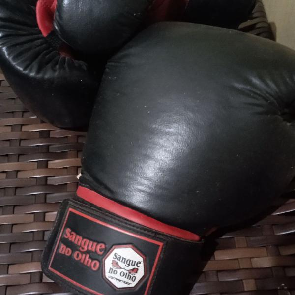 Luva de boxe/muay thai (sangue no olho)