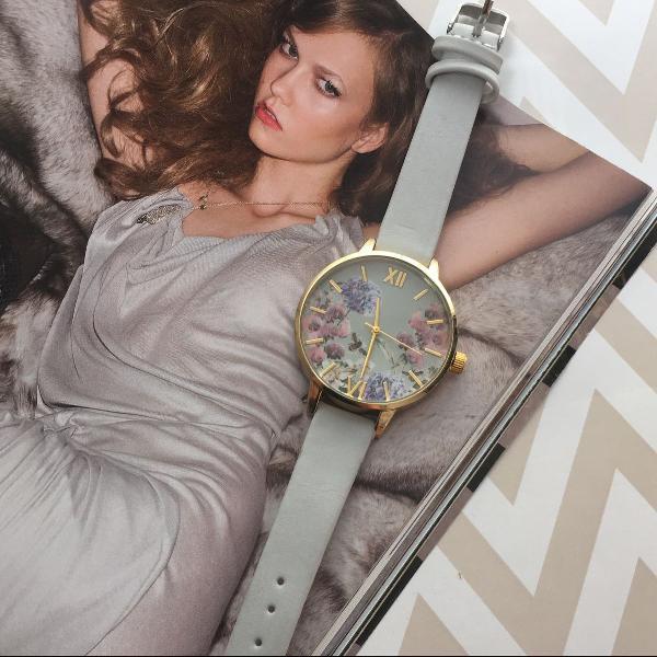 Relógio floral vintage