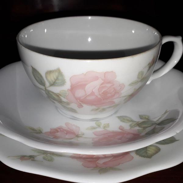 Xícara de chá antiga porcelana renner