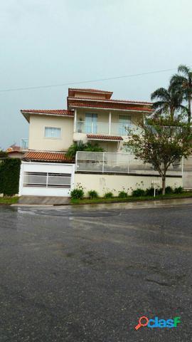 Casa com 3 dorms em Poços de Caldas - Jardim das Azaléias por 630 mil para comprar