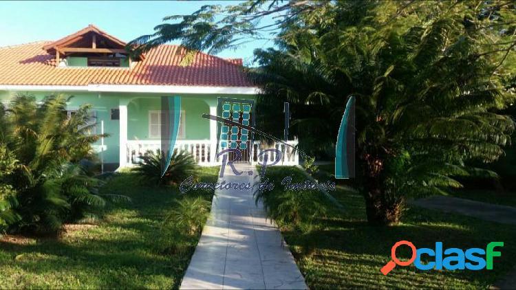 Casa com 4 dorms em florianópolis - são joão do rio vermelho por 1.1 milhões à venda