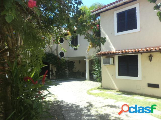 Casa em condomínio em armação dos búzios - centro por 740 mil à venda