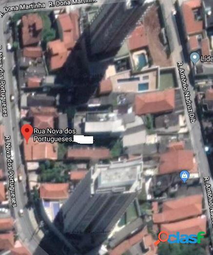 Terreno com 648 m2 em são paulo - chora menino por 1.3 milhões à venda