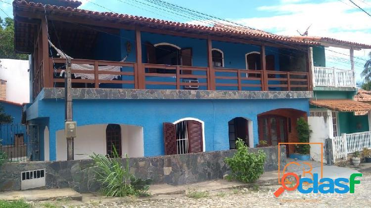 Excelente casa com 3 quartos sendo 1 suíte na ponta da areia