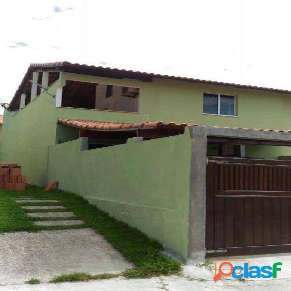 Ótima casa com 2 quartos sendo 1 suíte no solar da lagoa