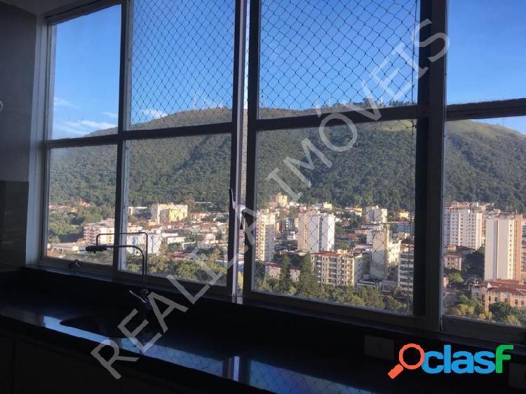 Apartamento com 2 dorms em Poços de Caldas - Centro por 800 mil à venda