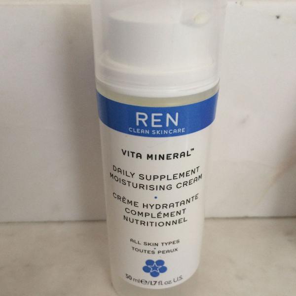 Hidratante facial vita mineral ren