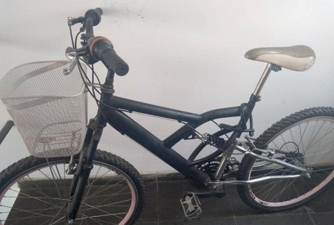 Linda bicicleta caloi super leve preço super barato
