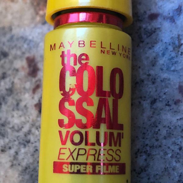 Máscara de cílios the colossal volume express