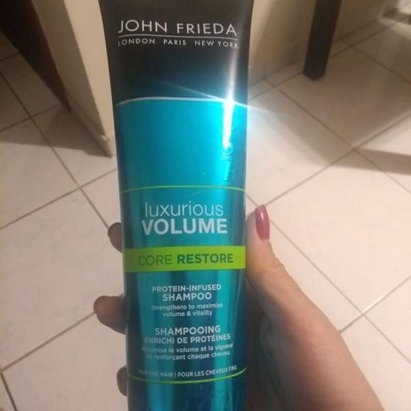 Shampoo john frieda luxurious volume