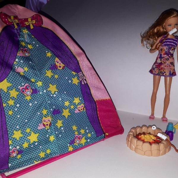 Boneca barbie stacie acampamento