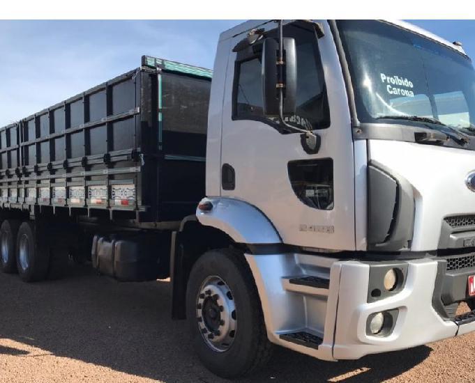 Caminhao ford cargo 2428 1112