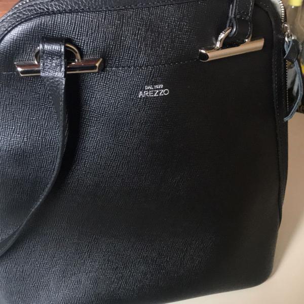 Bolsa mochila em couro arezzo