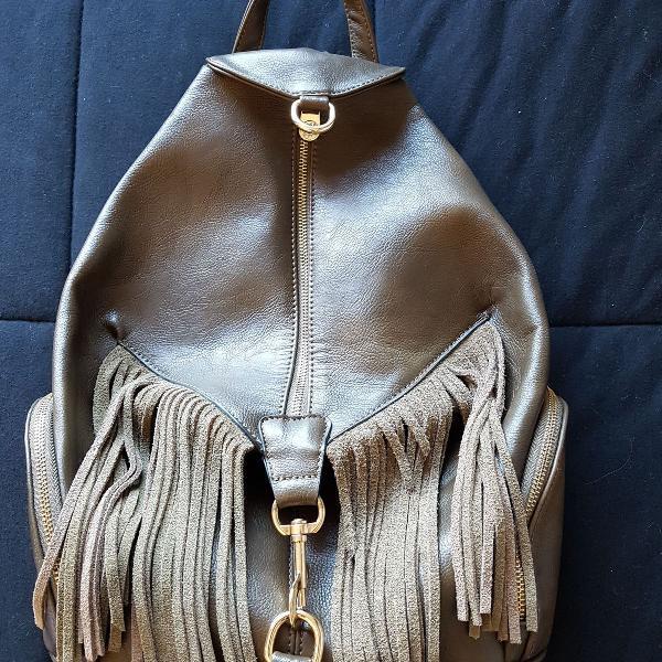 Bolsa / mochila em couro com franjas