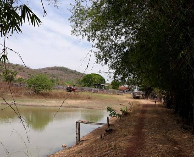 Fazenda 194 alqueires (940 hectares) crixás-go