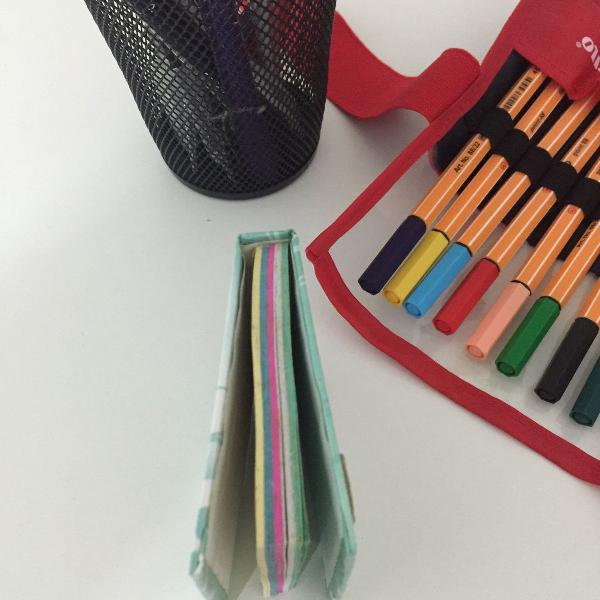 Bloquinho de papel colorido