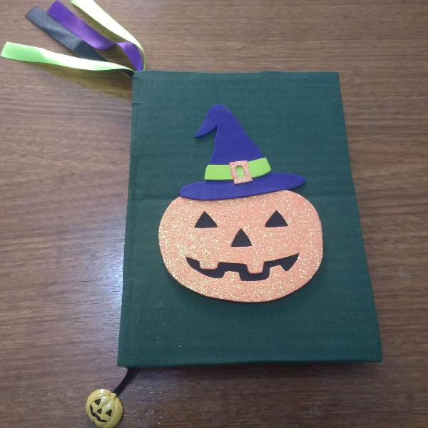 Caderno artesanal halloween