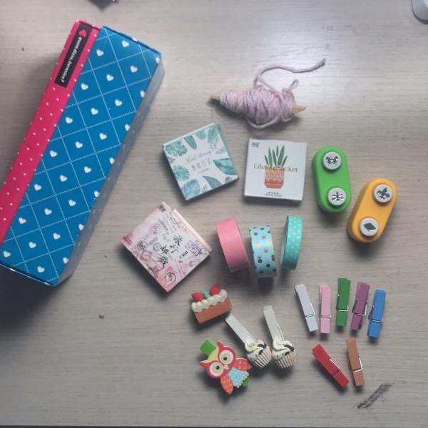 Kit coisas fofas de papelaria com caixinha