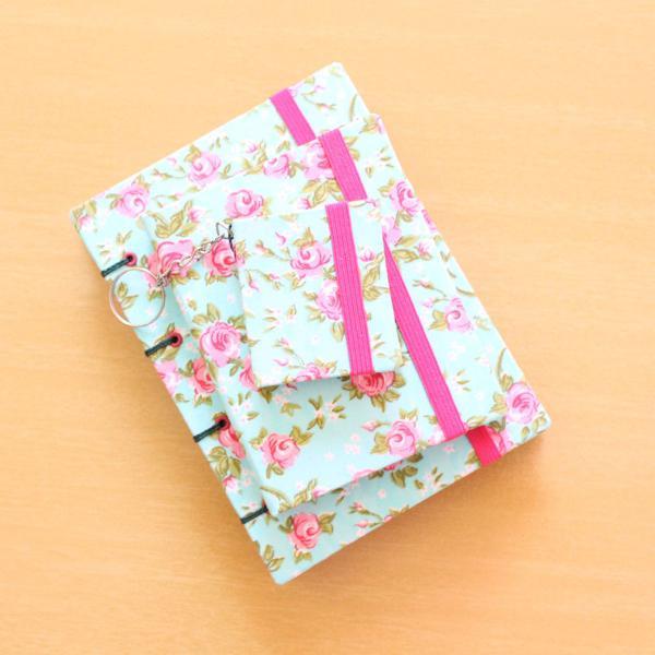 Kit mini caderno + bloco de notas + chaveiro post it