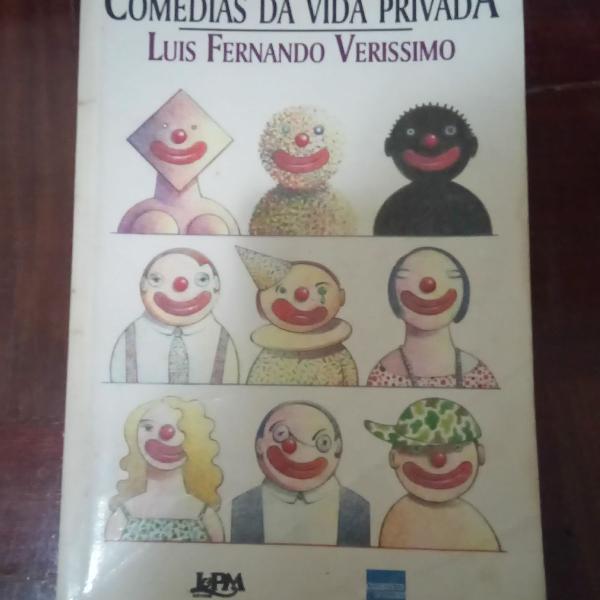Livro crônicas comédia da vida privada