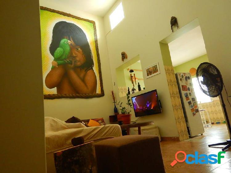 Vendo ou alugo Ótima casa para fins comerciais ou residenciais sendo patrimônio Histórico em Manaus Amazonas am 2