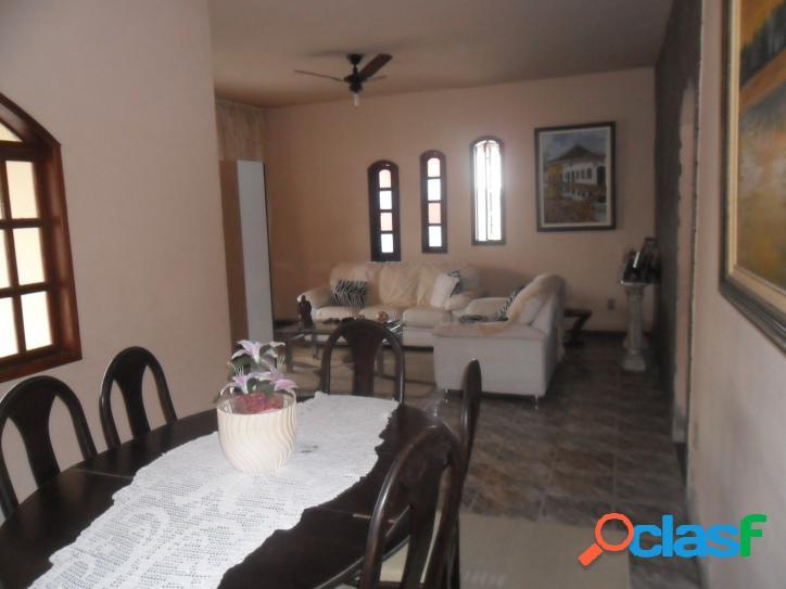 Casa para venda com 130 metros quadrados e 3 quartos no parque alves branco - araruama - rj.