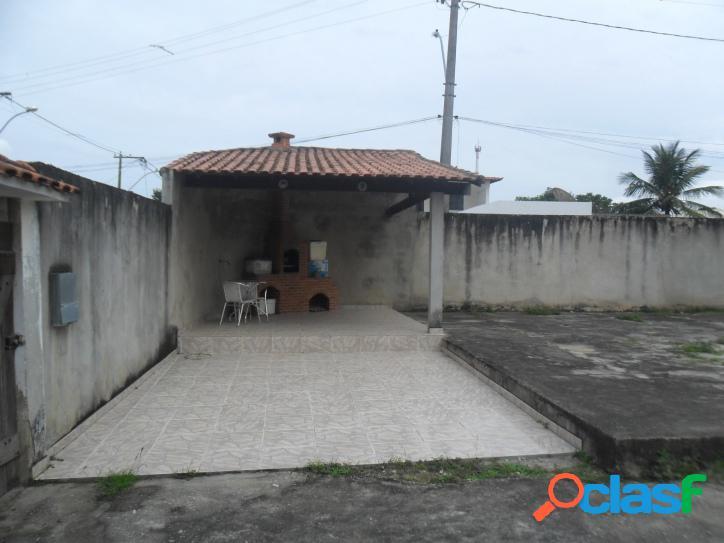 Casa para venda com 130 metros quadrados e 3 quartos no Parque Alves Branco - Araruama - RJ. 2