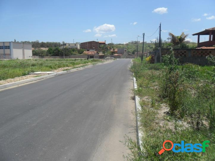 Excelente terreno de 450 m2, em rua asfaltada a 150 m da rodovia de frente a entrada de Praia Seca 3