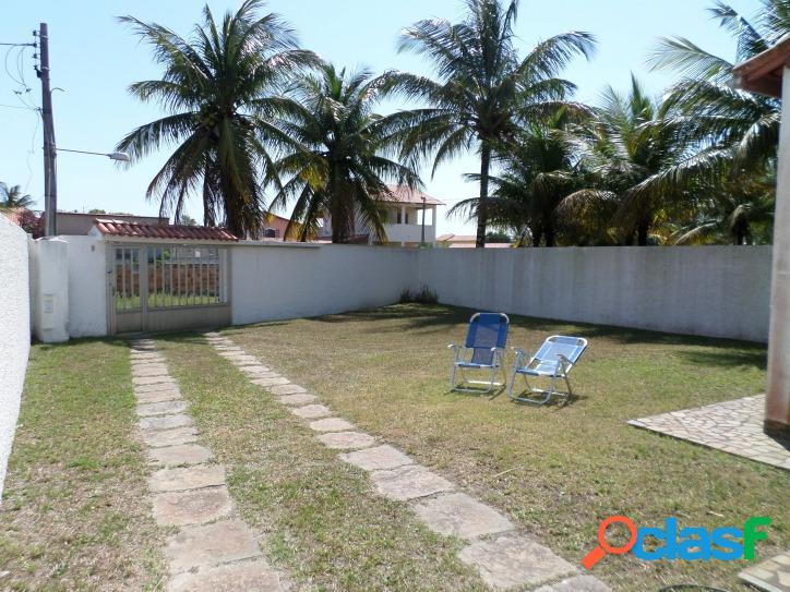 Casa no centro de Praia Seca de 3 andares com 4 quartos, churrasqueira e 3 terrenos, 2