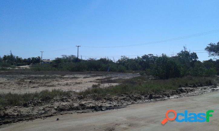 Ótimo terreno de 812m² próximo ao mar em praia seca