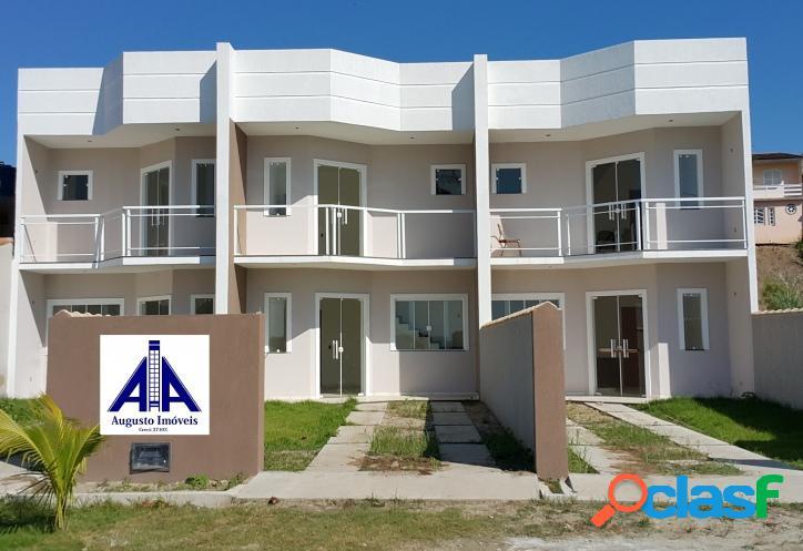 Casa nova com 2 suítes, frente à lagoa, em rua asfaltada, do lado do centro de araruama.