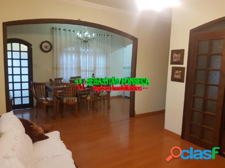 Excelente casa, lote inteiro, 2 dormitórios no Interlagos