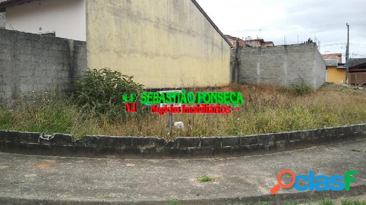 Terreno plano de esquina no Jardim santa Luzia