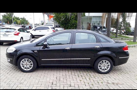 Fiat linea hlx 1.8 ano 2011 veículo em ótimo estado